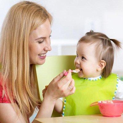 ترفندهایی برای غذا دادن به کودکان